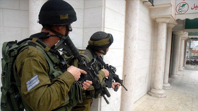 İşgalci İsrail güçleri Batı Şeria'da 8 Filistinliyi yaraladı