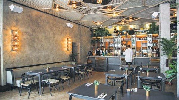 Restoranlarda masalar kalkıyor: Bu geceden itibaren sadece paket servis yapılacak