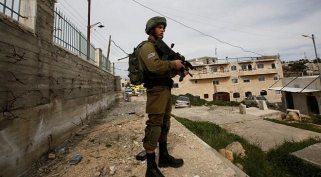 İşgal güçleri Batı Şeria'da 7 Filistinliyi gözaltına aldı