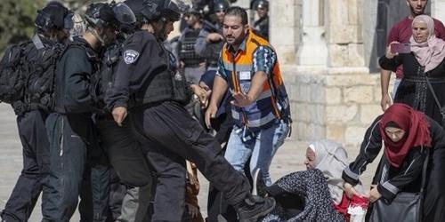 İşgalci İsrail polisi Filistinli kadınlara saldırdı
