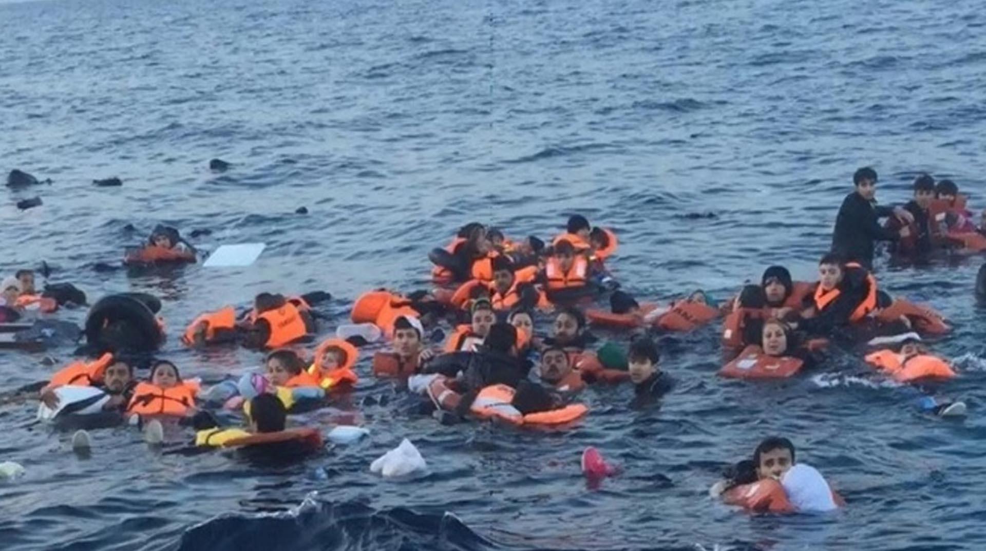 Libya'da mülteci teknesi battı: En az 40 ölü