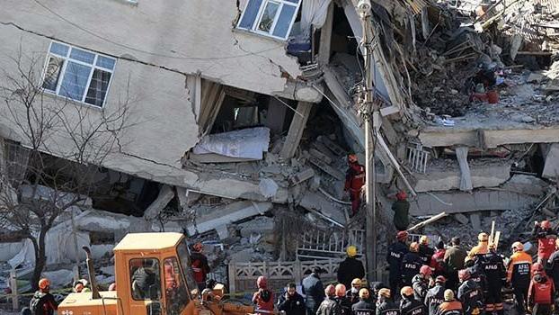 Elazığ ve Malatya'da evi yıkılan depremzedelere 41 bin lira ödenecek