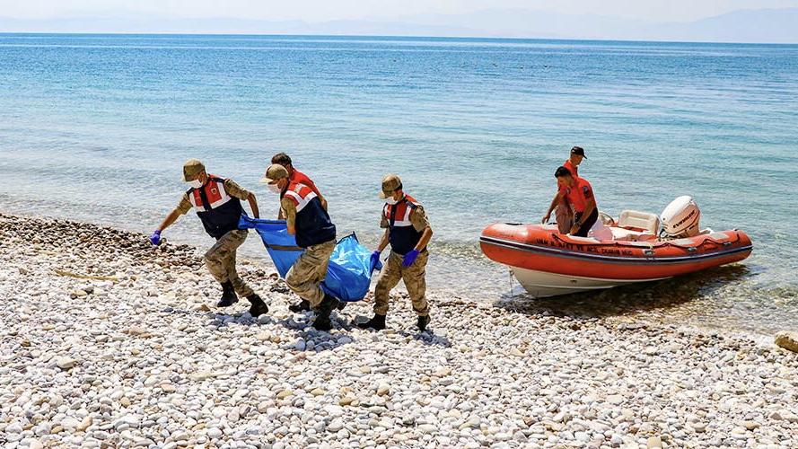 Van'daki tekne faciasında hayatını kaybedenlerin sayısı 48'e ulaştı
