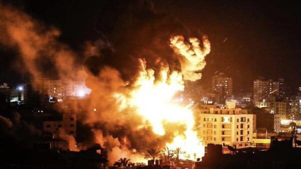 İşgalci İsrail Gazze'ye Hava Saldırısı Düzenledi