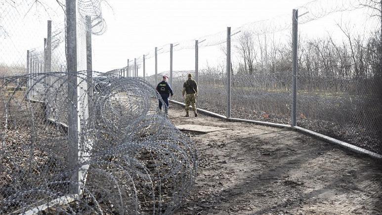 Macaristan hükümeti mültecileri aç bırakarak iltica başvurusundan caydırmaya çalışıyor