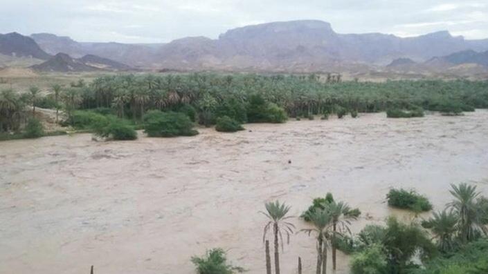Yemen'de sel nedeniyle baraj çöktü: 17 ölü