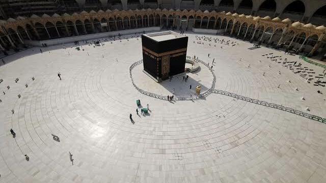 Mekke'de pazar gününden itibaren aşamalı olarak normalleşme başlayacak
