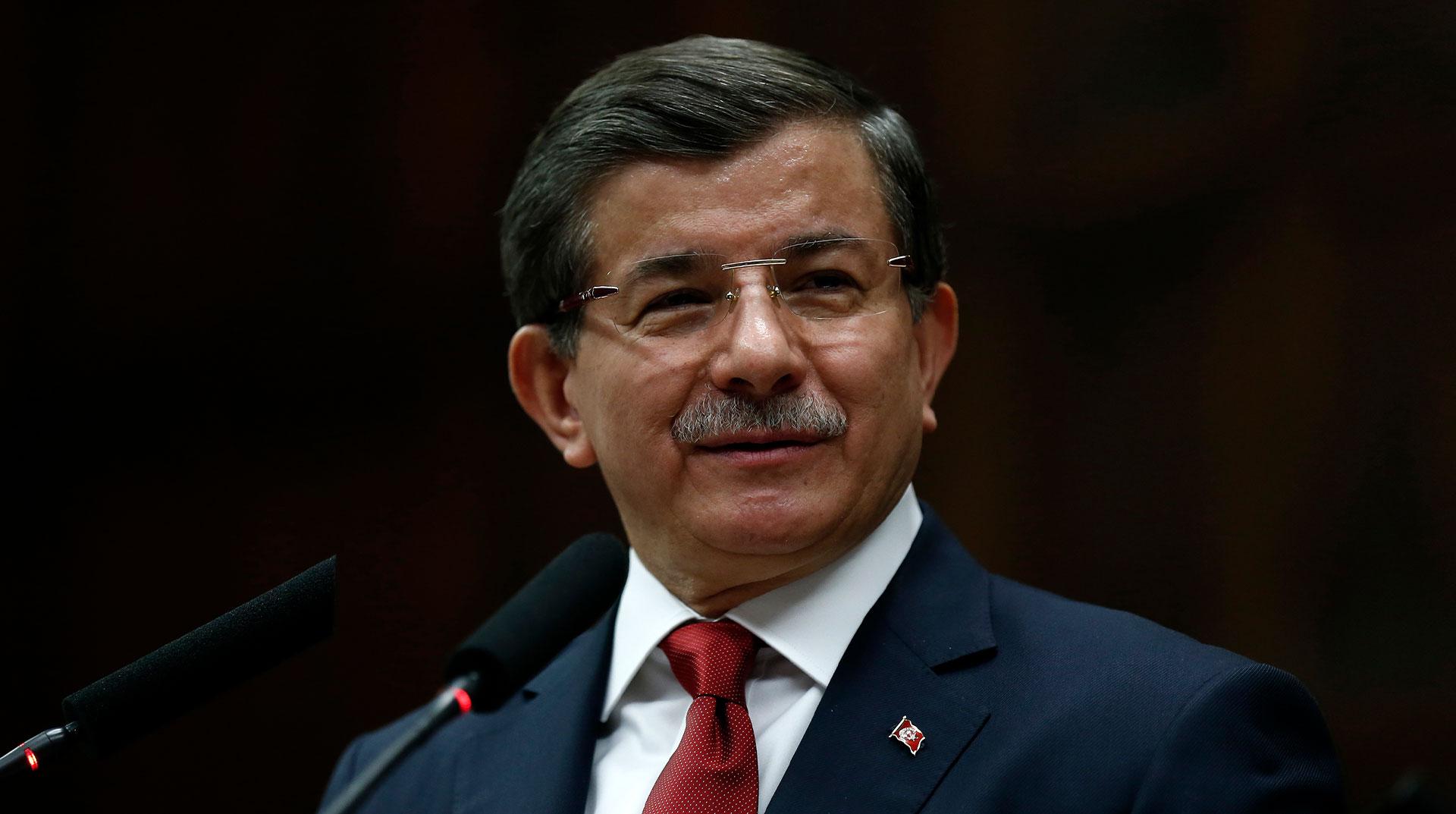 Son Dakika | Ahmet Davutoğlu, partisi için resmi başvuruyu yaptı