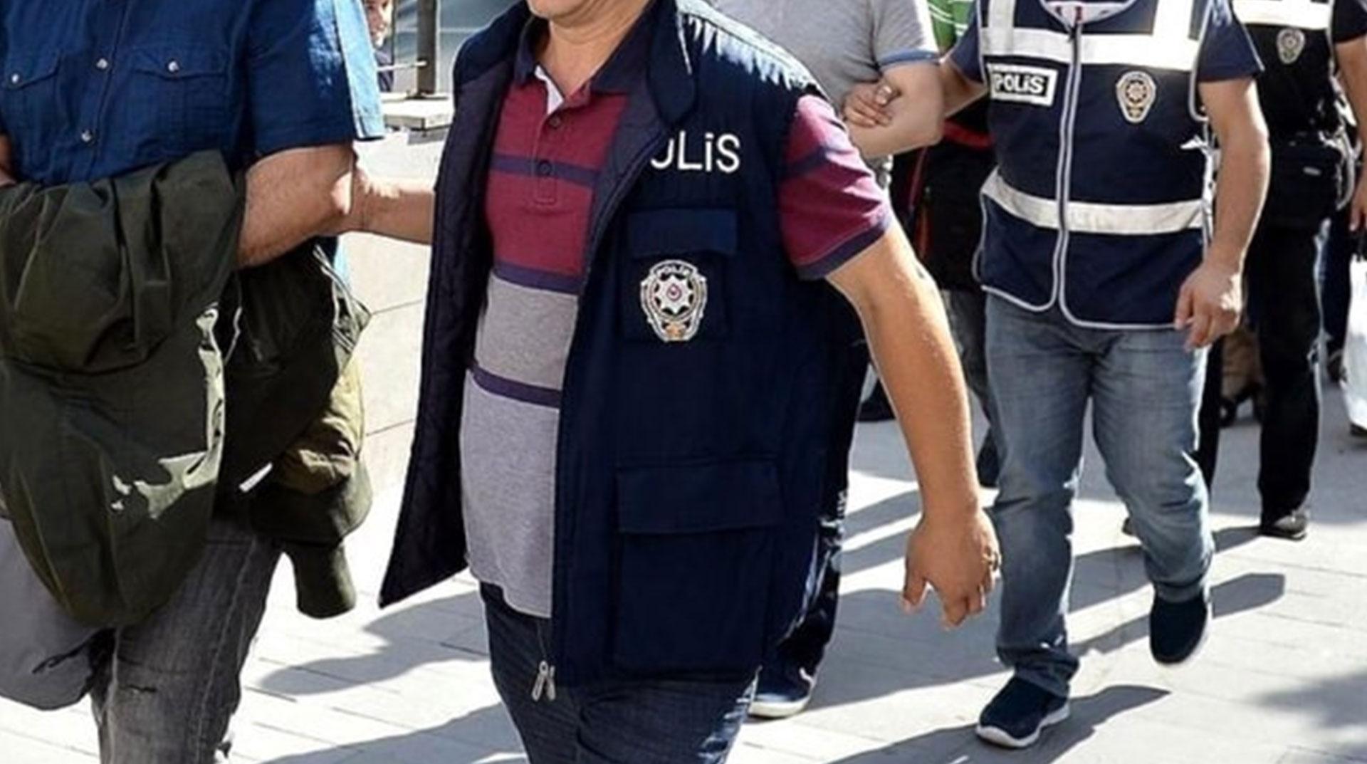 Adana'da HDP İlçe Eş Başkanları Gözaltına Alındı