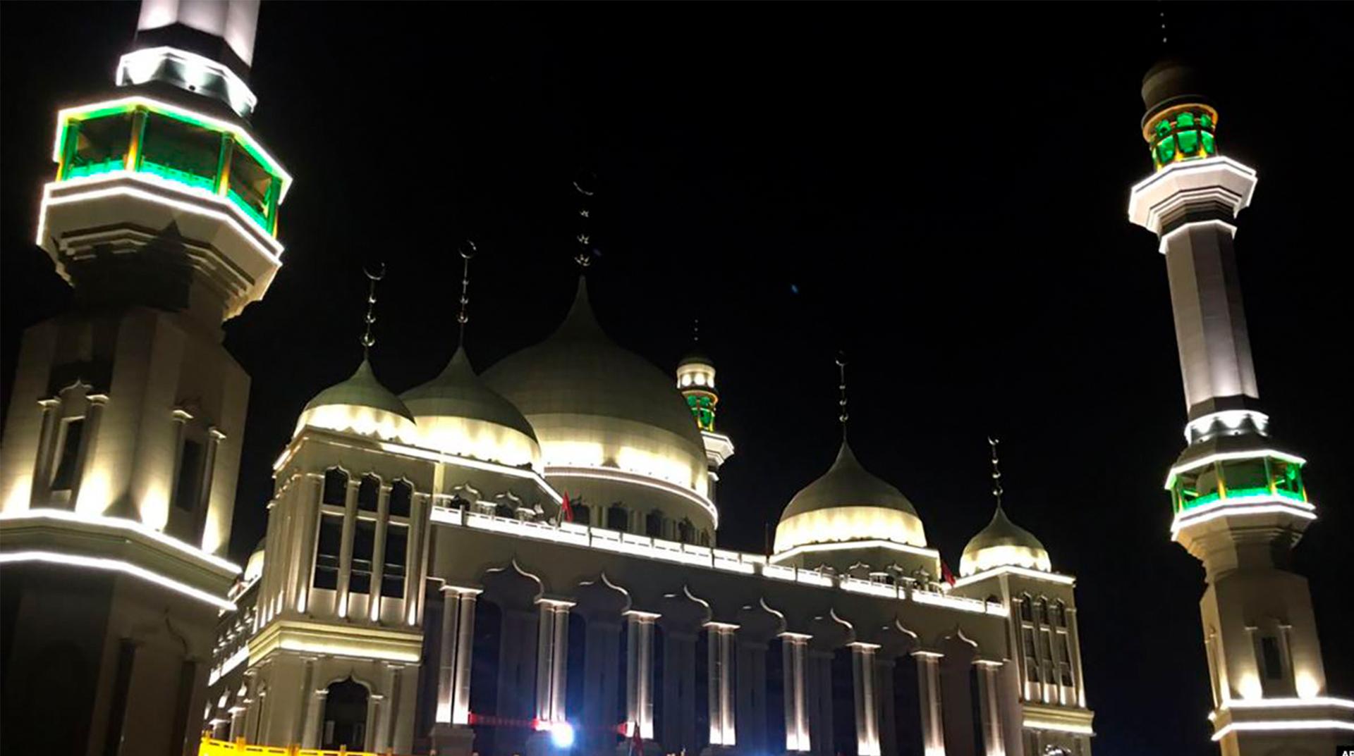 Camide Müslümanları Fişleme! Yüz Tanıma Sistemi