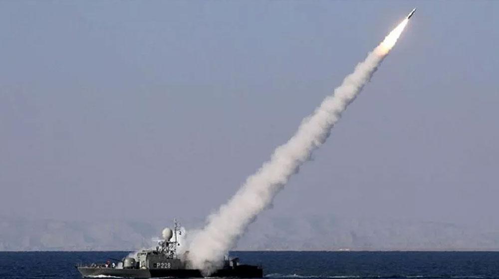 İran Donanmasına Ait Savaş Gemisi Bir Diğerini Vurdu, Ölü ve Yaralılar Var