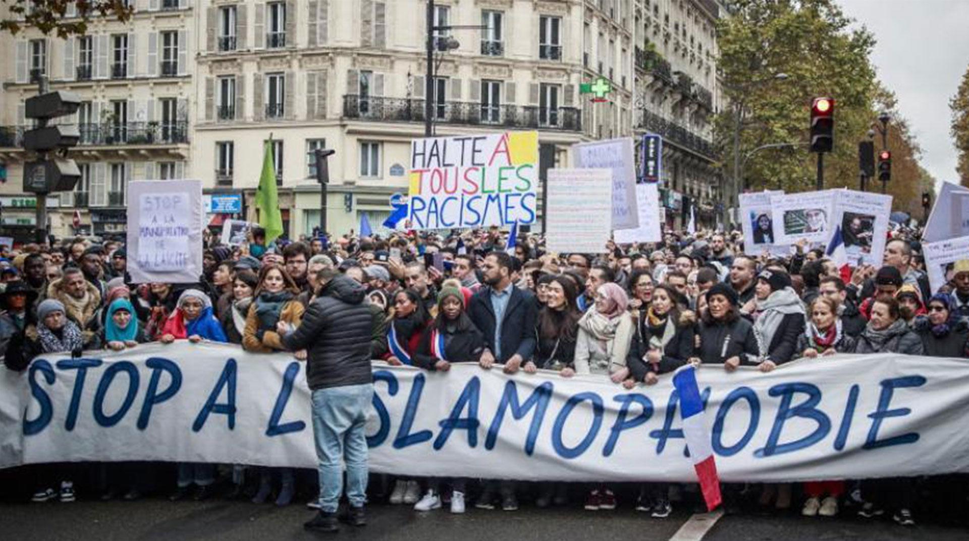 Fransa'da Büyük Yürüyüş! İslam'a Nefrete Karşı On Binler Ayakta