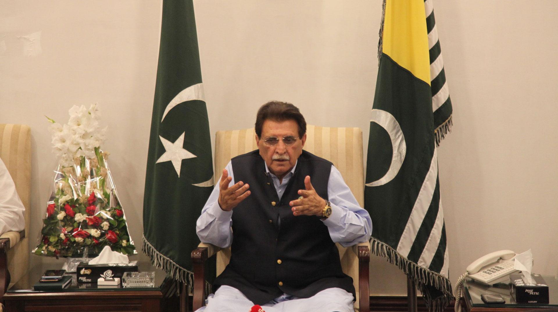 Başbakan Han: Keşmir'e Yardımlara Hindistan İzin Vermedi