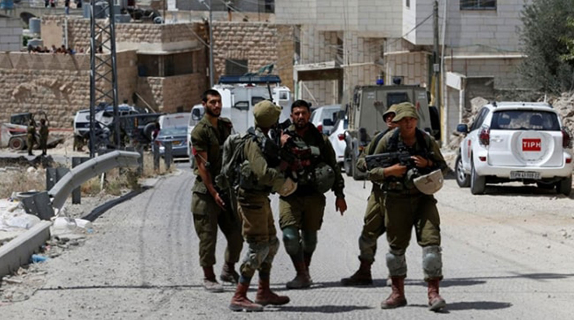 İşgal Güçleri Batı Şeria'da 9 Filistinliyi Gözaltına Aldı
