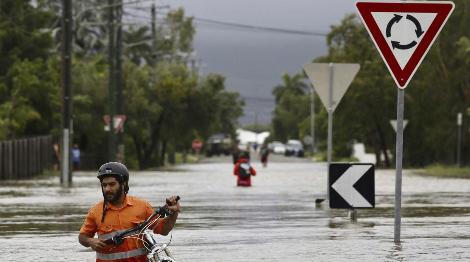 Avustralya'da Elektriği Sel Götürdü