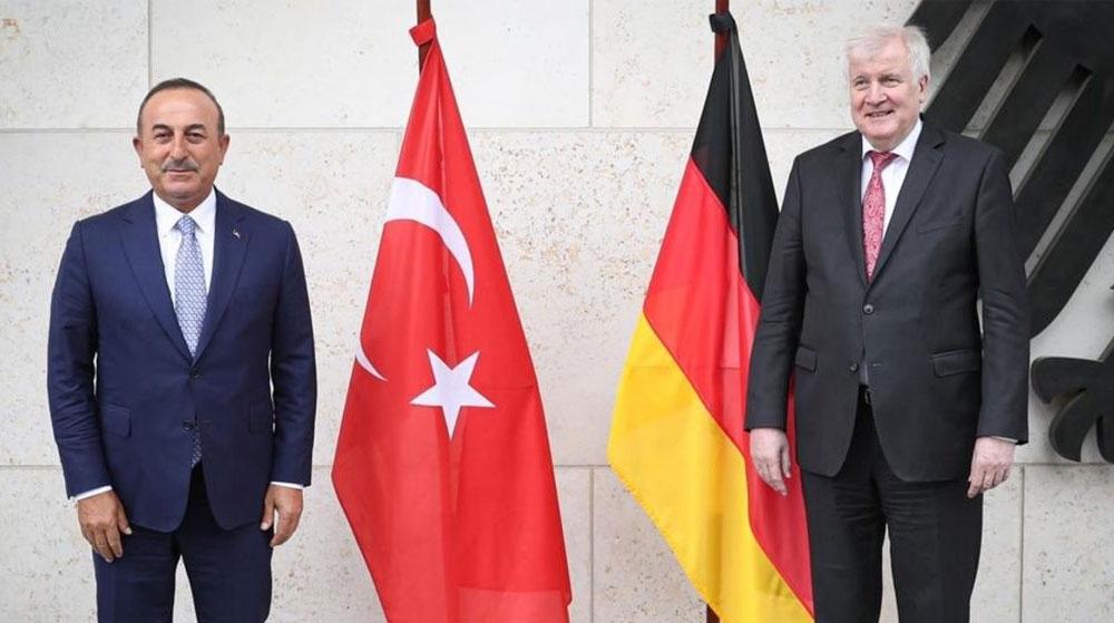 Çavuşoğlu Seehofer ile Görüştü