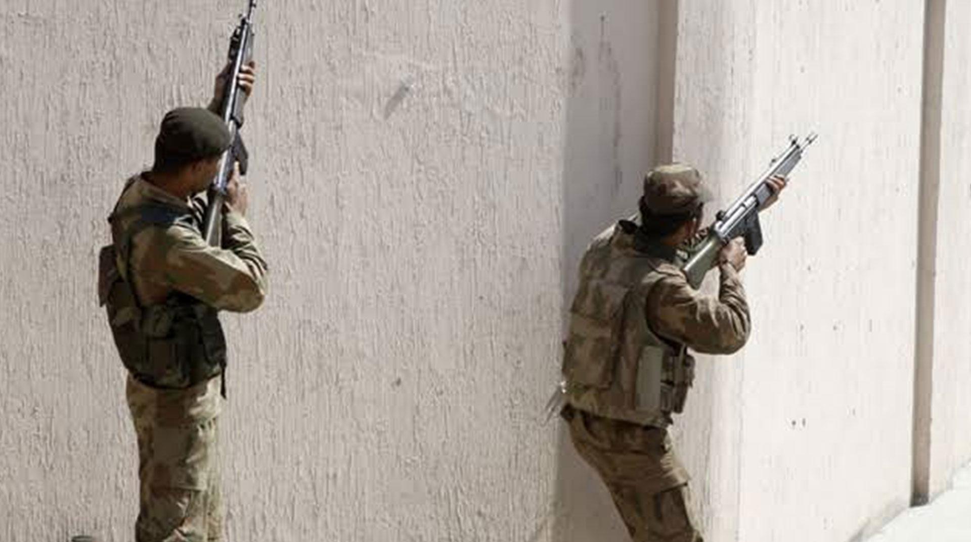Afganistan'da Saldırısı: 2 Polis Öldü