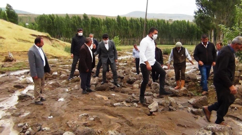 Van Erciş'te Sel! Hayvanlar Telef Oldu, Tarım Arazileri Zarar Gördü
