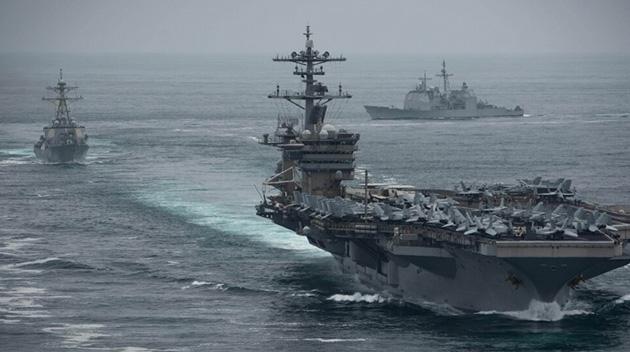ABD Donanması koronavirüse rastlanan uçak gemisi kaptanını görevden aldı