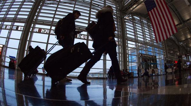 ABD Covid-19 nedeniyle ilan ettiği 4. seviye küresel seyahat uyarısını kaldırdı