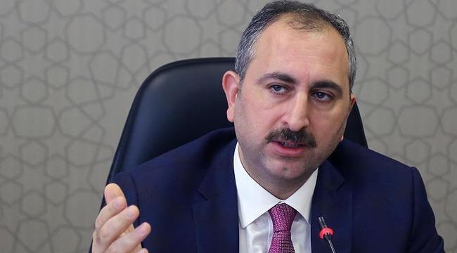 Adalet Bakanı Gül: Yargı sadece hukukun emri altındadır