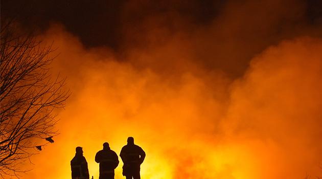 Adana'da fabrika yangını 3'üncü gününe girdi
