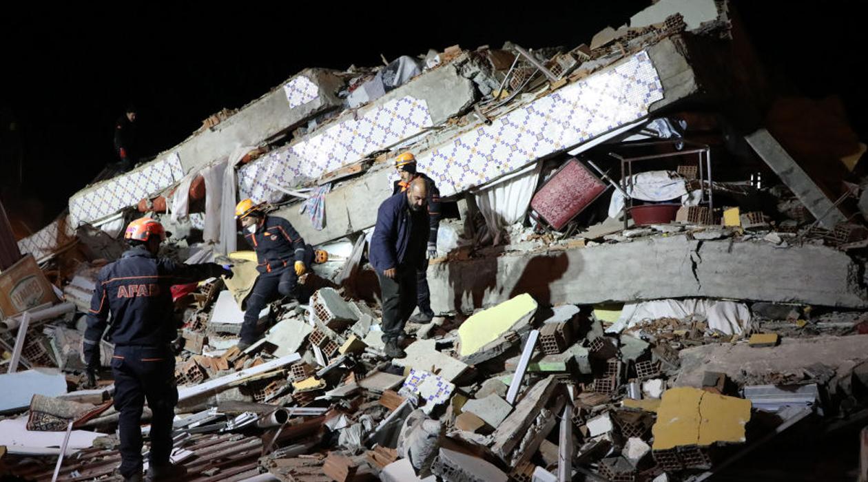 Depremde 22 kişi hayatını kaybetti, 1031 yaralı var, 22 kişi halen enkaz altında