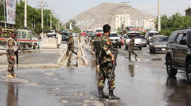 Afganistan'da Cumhurbaşkanı Eşref Gani'nin seçim bürosuna bombalı saldırı: 3 ölü, 7 yaralı