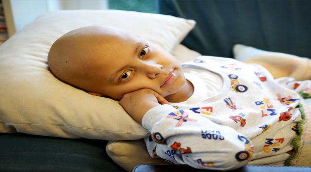Kanser Hastası Küçük Ahmet'in Babasıyla Konuşması Vicdanları Sızlattı