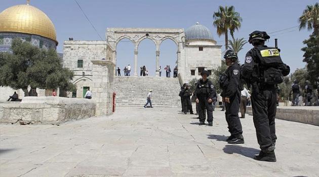 Onlarca Yahudi yerleşimci, bu sabah Mescid-i Aksa'ya baskın düzenledi