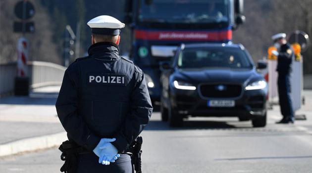 Almanya, sınır kontrollerini gevşetmeye hazırlanıyor