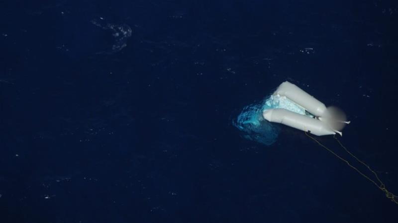 Akdeniz'de Son Haysiyet Parçası Da Boğuldu! Göçmen Cesedi Denizde Sürükleniyor