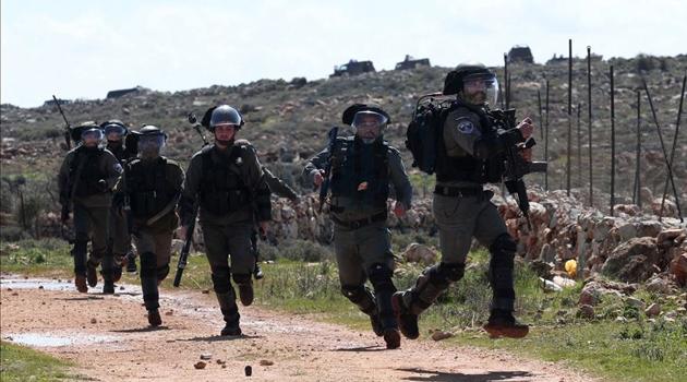 Siyonist Yerleşimciler Batı Şeria'da 2 Filistinliyi Yaraladı