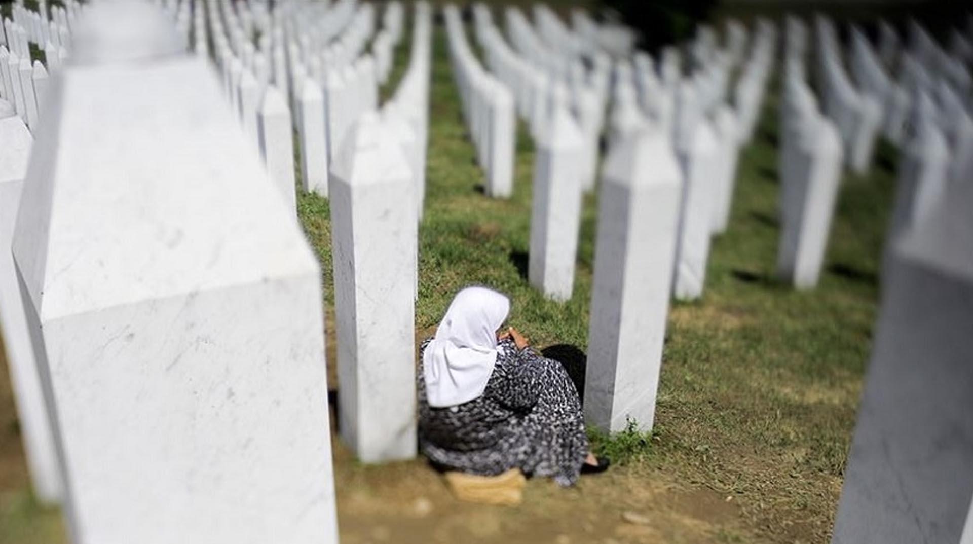 Hollanda'dan tepki çeken Srebrenitsa kararı