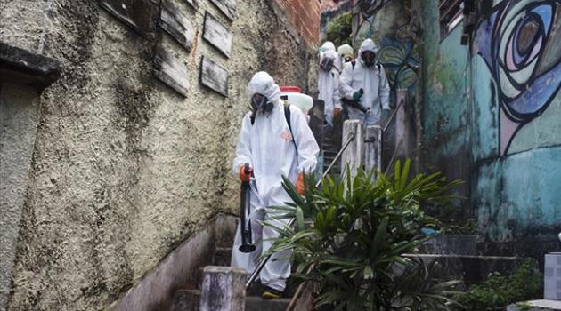 Brezilya'da Covid-19 nedeniyle 1 günde 749 ölüm