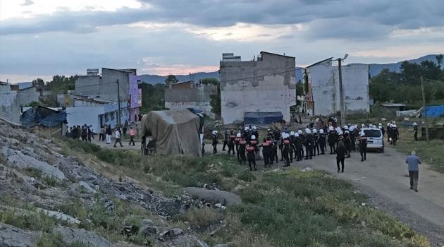 Bursa'da iki grup arasında silahlı çatışma: Biri polis üç ölü, bir yaralı