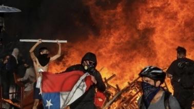 Şili'de zam karşıtı gösteriler sürüyor