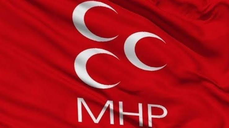 MHP'li Semih Yalçın: Bütün sosyal medya hesaplarımızı askıya alıyoruz