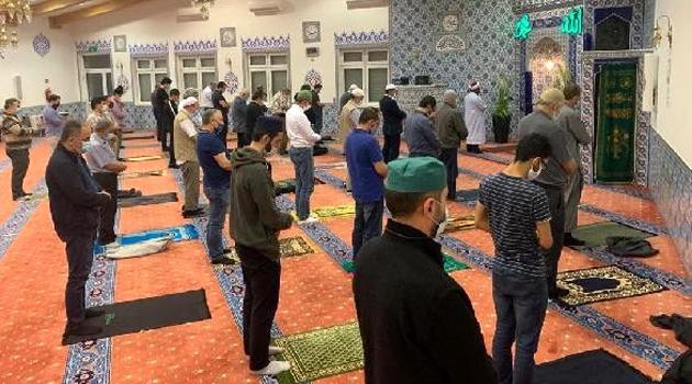Almanya'da koşullara uygun camiler bayram namazı için kapılarını açacak
