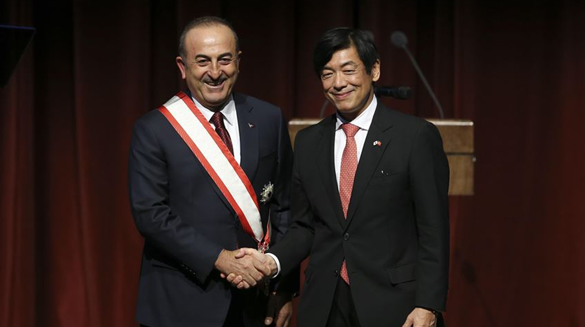 Japonya'nın en yüksek nişanıyla taltif edilen Çavuşoğlu: Ülkem ve hükümetim adına gurur duyuyorum