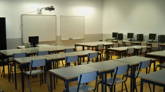 Keşmir'de 500 devlet okulu öğretmensiz bırakıldı