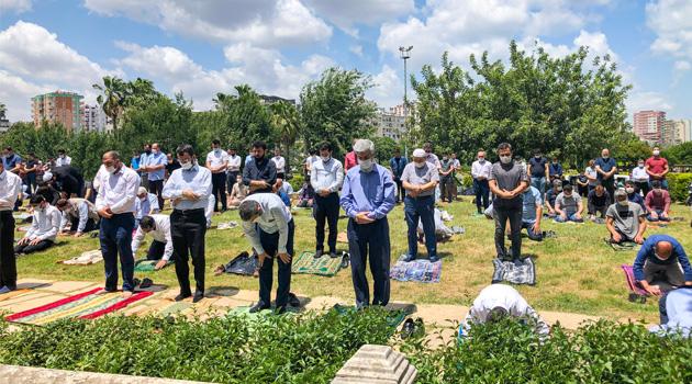 10 haftanın ardından ülkenin dört bir tarafında Cuma namazı eda edildi