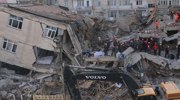 Elazığ'daki depremde hayatını kaybedenlerin sayısı 38'e çıktı