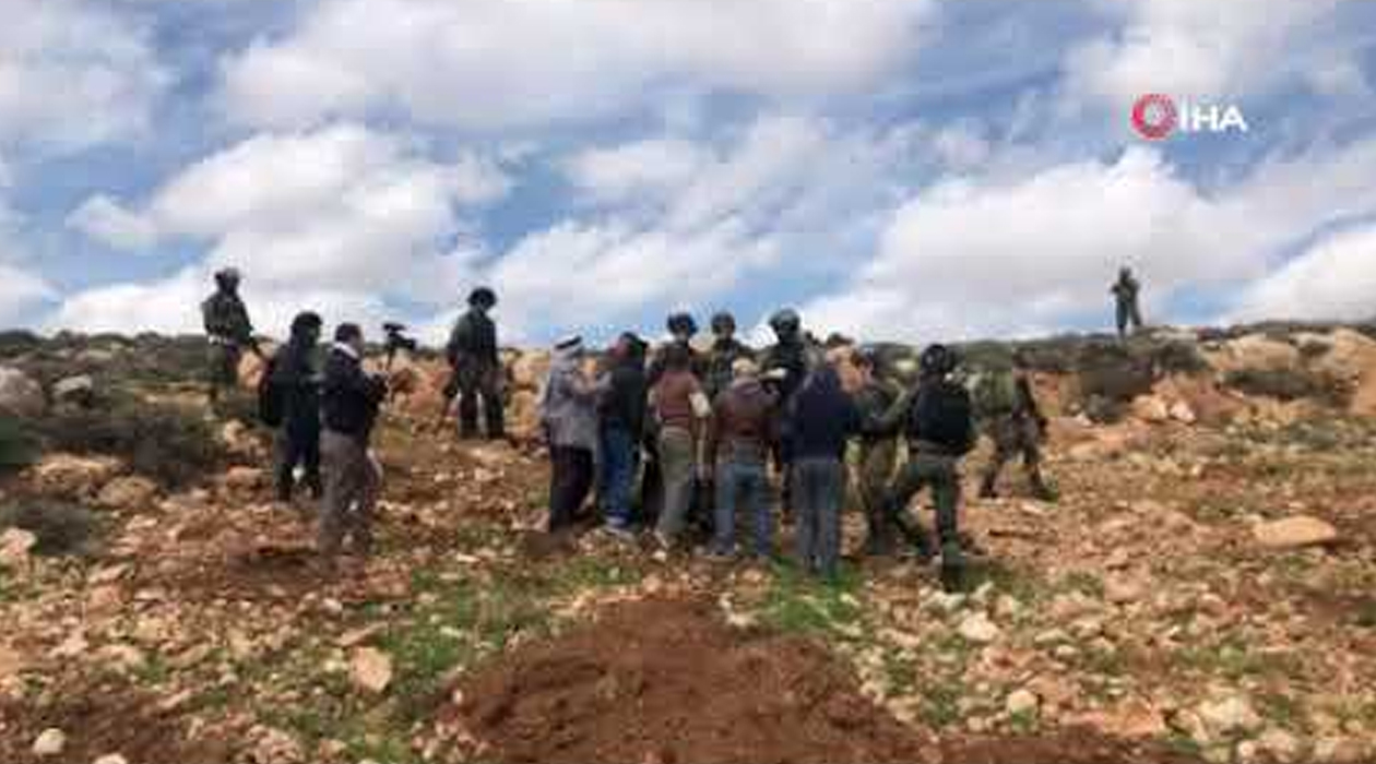 İsrail güçleri, Filistinlilerin zeytin ekmesini engelledi