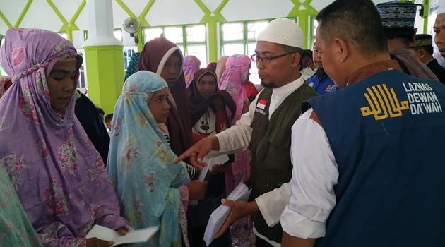 Endonezya'nın Sulawesi Adası'nda 300 kişi topluca Müslüman oldu