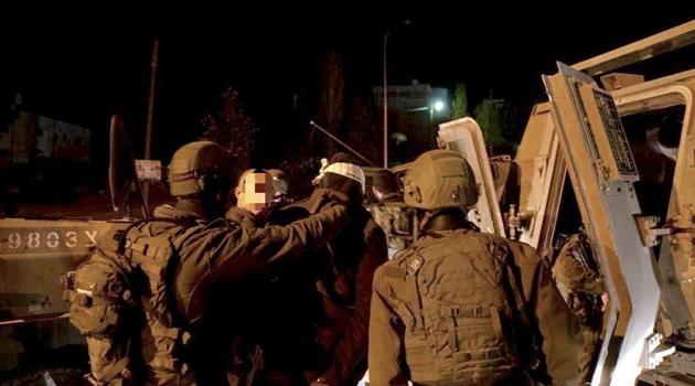 İşgal güçleri Batı Şeria ve Kudüs'te 13 Filistinliyi tutukladı