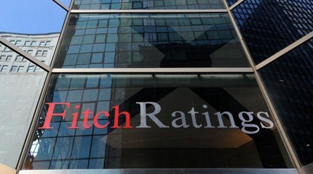 Fitch Türkiye'de faaliyet gösteren 9 bankanın kredi notunu düşürdü