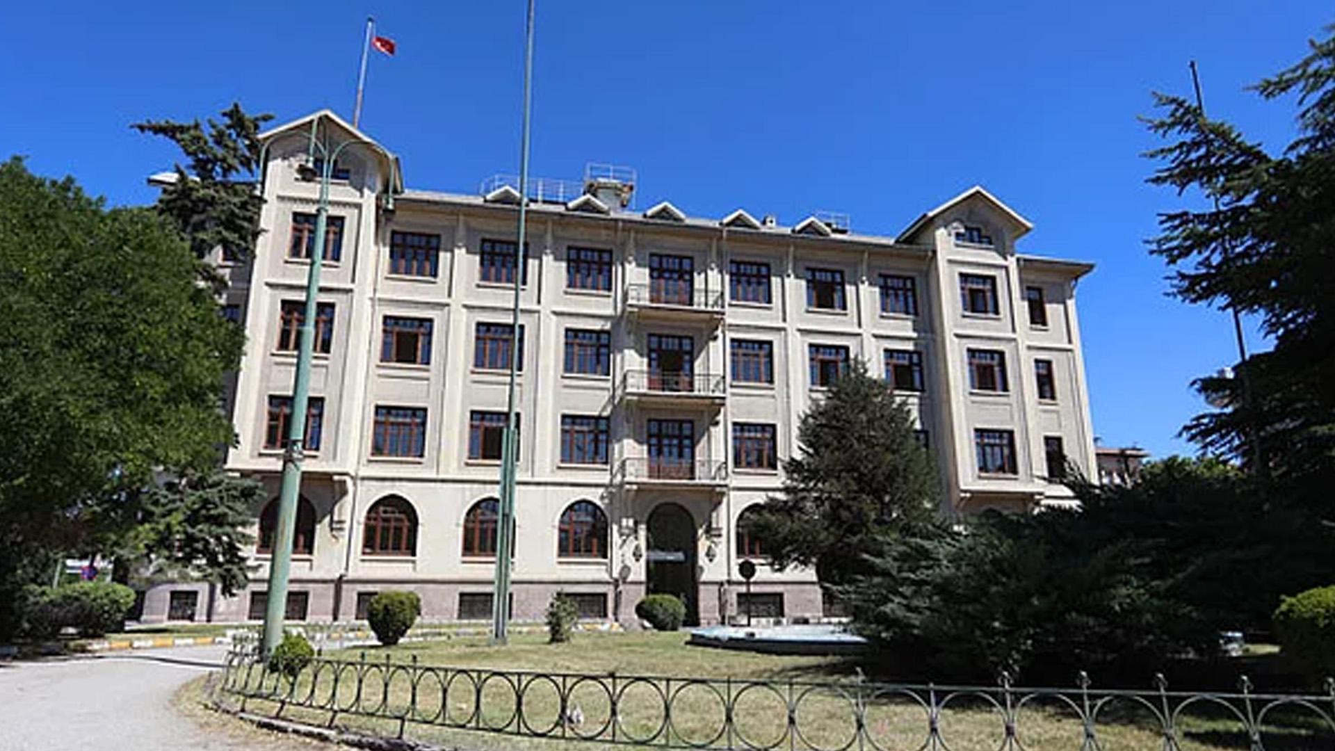 TCDD'nin Ankara'daki tarihi binası Medipol'e verildi