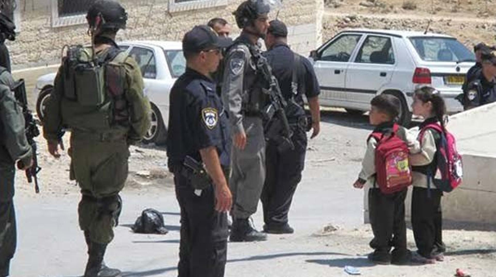 Gazze'den atılan roketler nedeniyle Tel Aviv'de okul ve iş yerleri tatil edildi