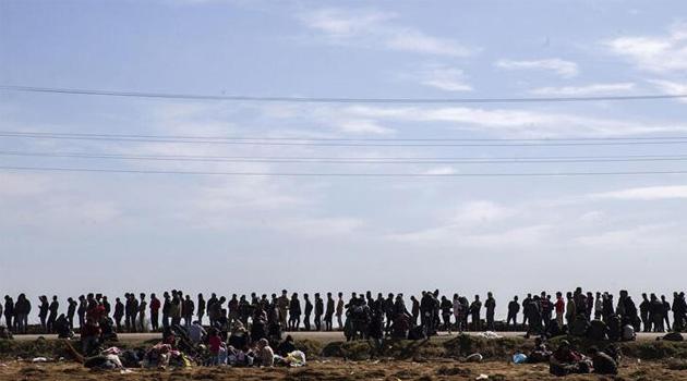 İçişleri Bakanı Soylu: 142 bin 175 sığınmacı Yunanistan'a geçti
